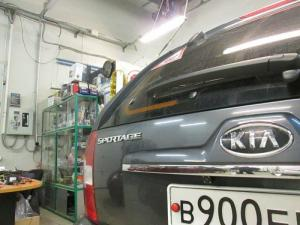 Установка камеры заднего вида на Kia Sportage 2009